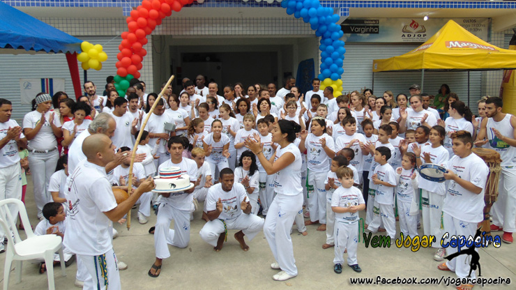 1º Batizado e Troca de Cordéis - Associação de Capoeira Barravento – NF