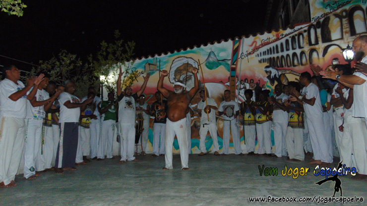 Essa varanda na Penha é de Capoeira