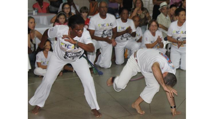 Clube da maior idade realiza festival nacional de capoeira - Muriaé das Gerais