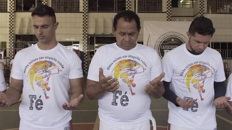 'Capoeira gospel' cresce e gera tensão entre evangélicos e movimento negro